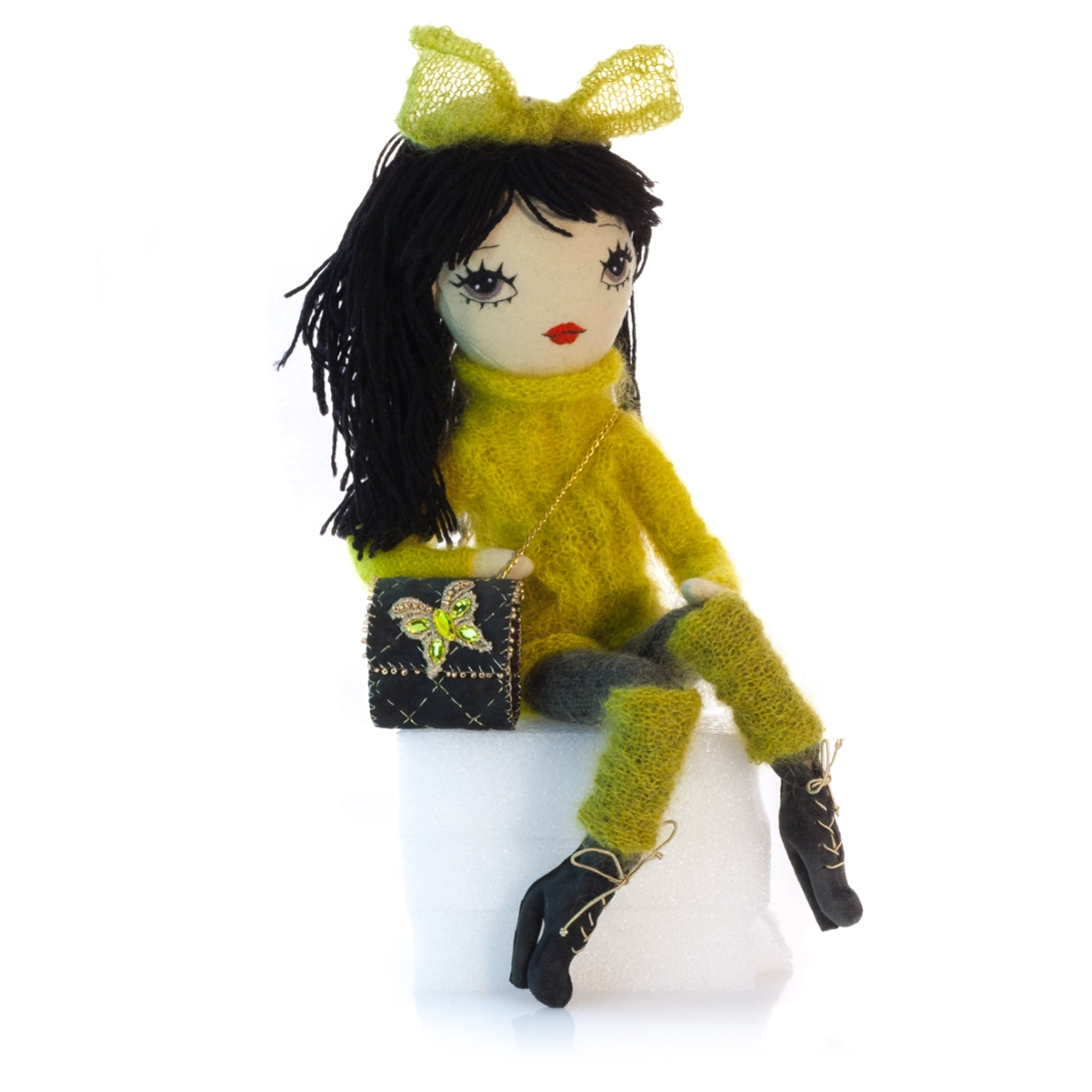 Dollcloud-handmade-fashion-Doll-Alessandra-with-leather-bag-shoes