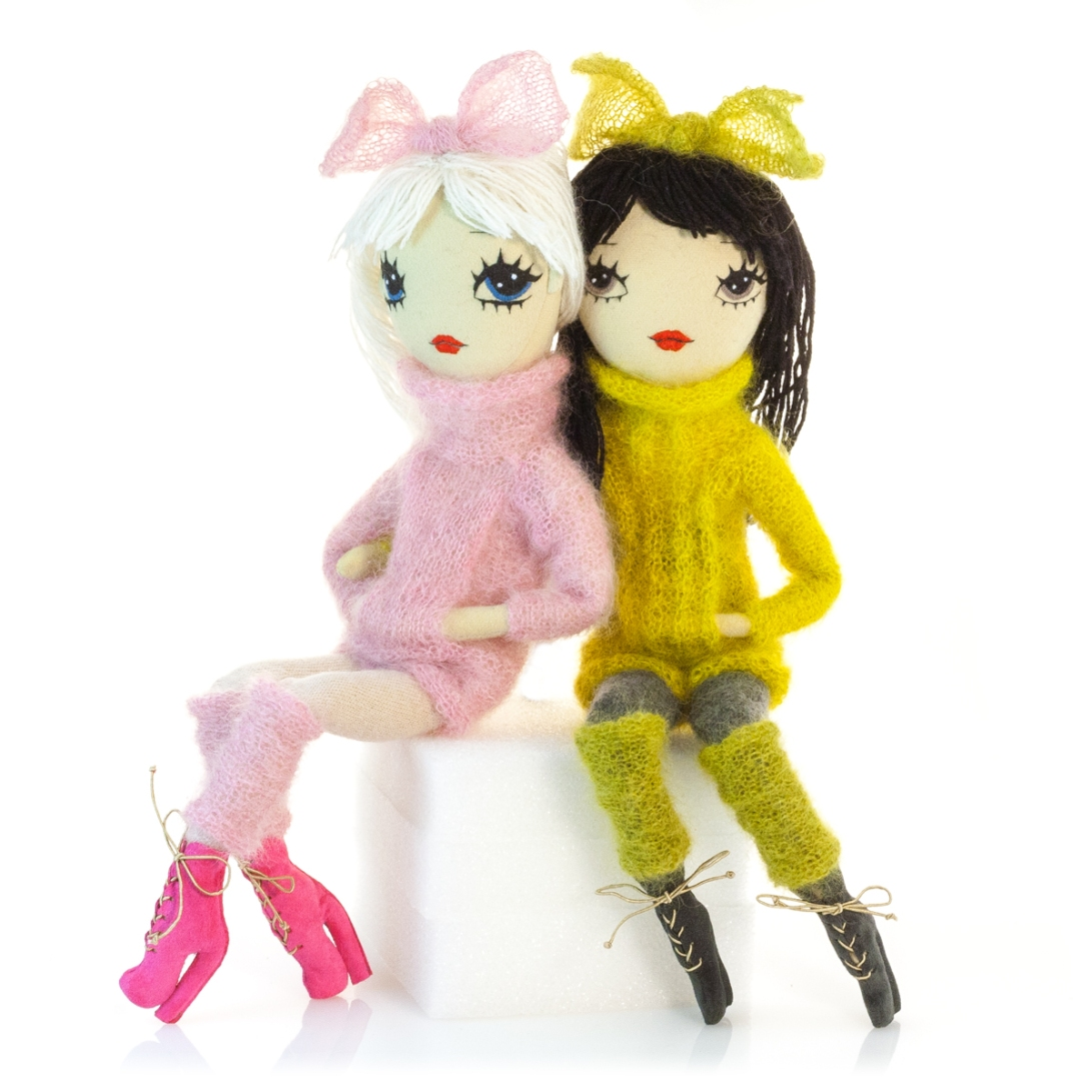 Dollcloud_winter_fun_handmade_fabric_dolls_with_knitted_sweaters_and_highheeled_leather_boots
