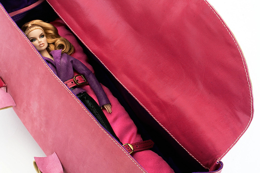 Dollcloud handmade pink leather doll carry bag detail